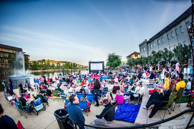outdoor-movie-night